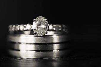 oval shaped diamond ring