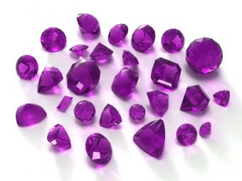 https://cf.ltkcdn.net/engagementrings/images/slide/163016-800x600-amethyst.jpg