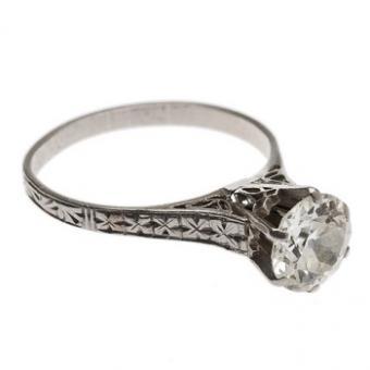 https://cf.ltkcdn.net/engagementrings/images/slide/172823-350x350-filigree-diamond.jpg