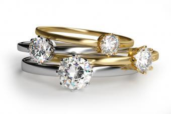 https://cf.ltkcdn.net/engagementrings/images/slide/175818-725x483-Diamond-rings-TS.jpg