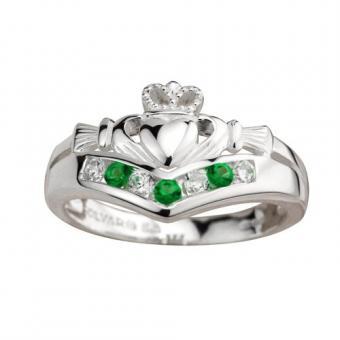 https://cf.ltkcdn.net/engagementrings/images/slide/179373-500x500-claddagh-with-emeralds.jpg