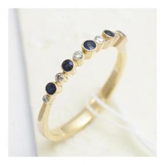 https://cf.ltkcdn.net/engagementrings/images/slide/187130-450x450-diamond-and-blue-sapphire.jpg