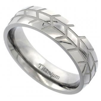https://cf.ltkcdn.net/engagementrings/images/slide/187300-370x370-herringbone-carved-band.jpg