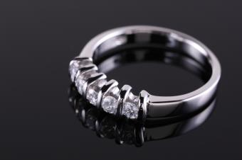 bar set diamond ring