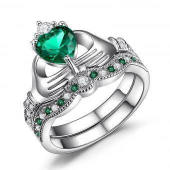 https://cf.ltkcdn.net/engagementrings/images/slide/205183-850x850-emerald-bridal-set.jpg