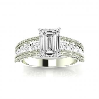 https://cf.ltkcdn.net/engagementrings/images/slide/206034-850x850-textured-big-diamond.jpg