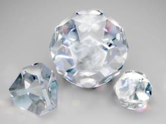 Diamonds with flaws and inclusions