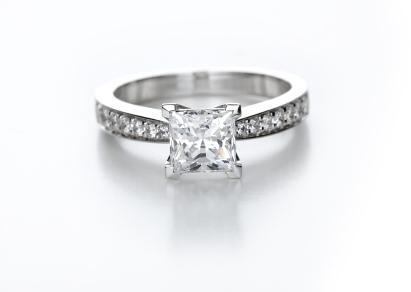 Pave Setting Engagement Ring Overview