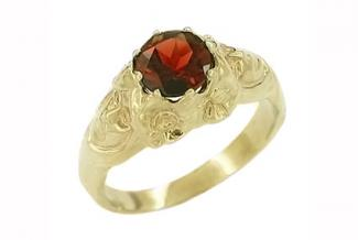 Art Nouveau Garnet Set Lady Ring in 14 Karat Yellow Gold