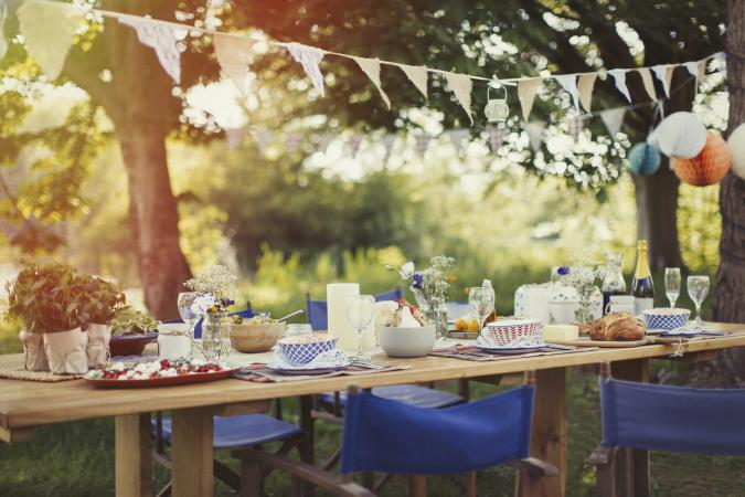 Rustic outdoor gaden party dinner table
