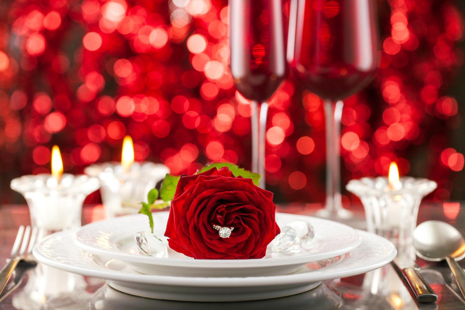 Valentines day place setting with diamond and roses