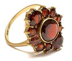 unique garnet ring