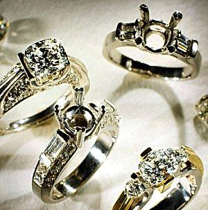 Semi mounts and finished diamond engagement rings