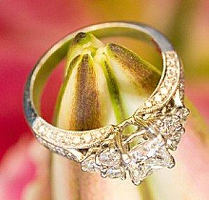 Beautiful diamond engagement ring mounting