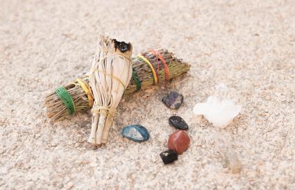 salvia, piedras de poder, cristales