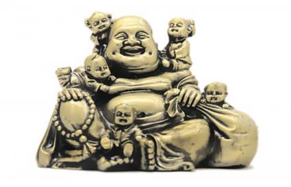 5 Niños con el Buda de la Risa