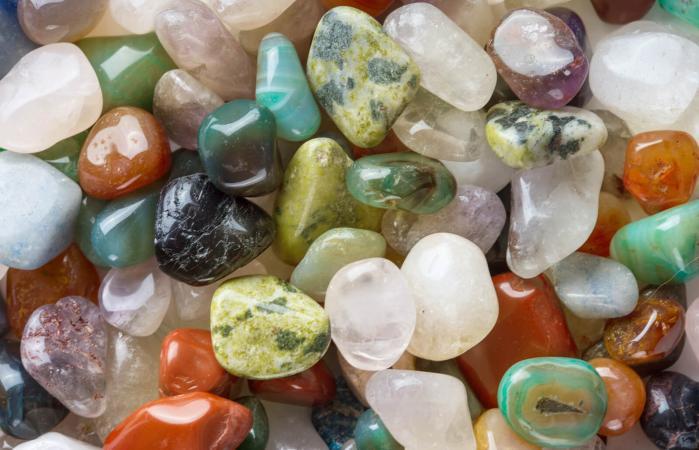piedras minerales de colores