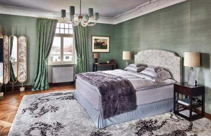 Dormitorio en una villa de lujo