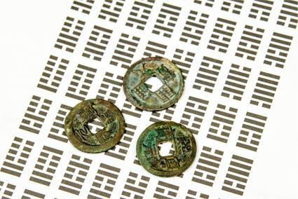 Monedas Ching y hexagramas