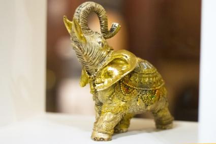 Elefante dorado para fortalecer el vínculo materno