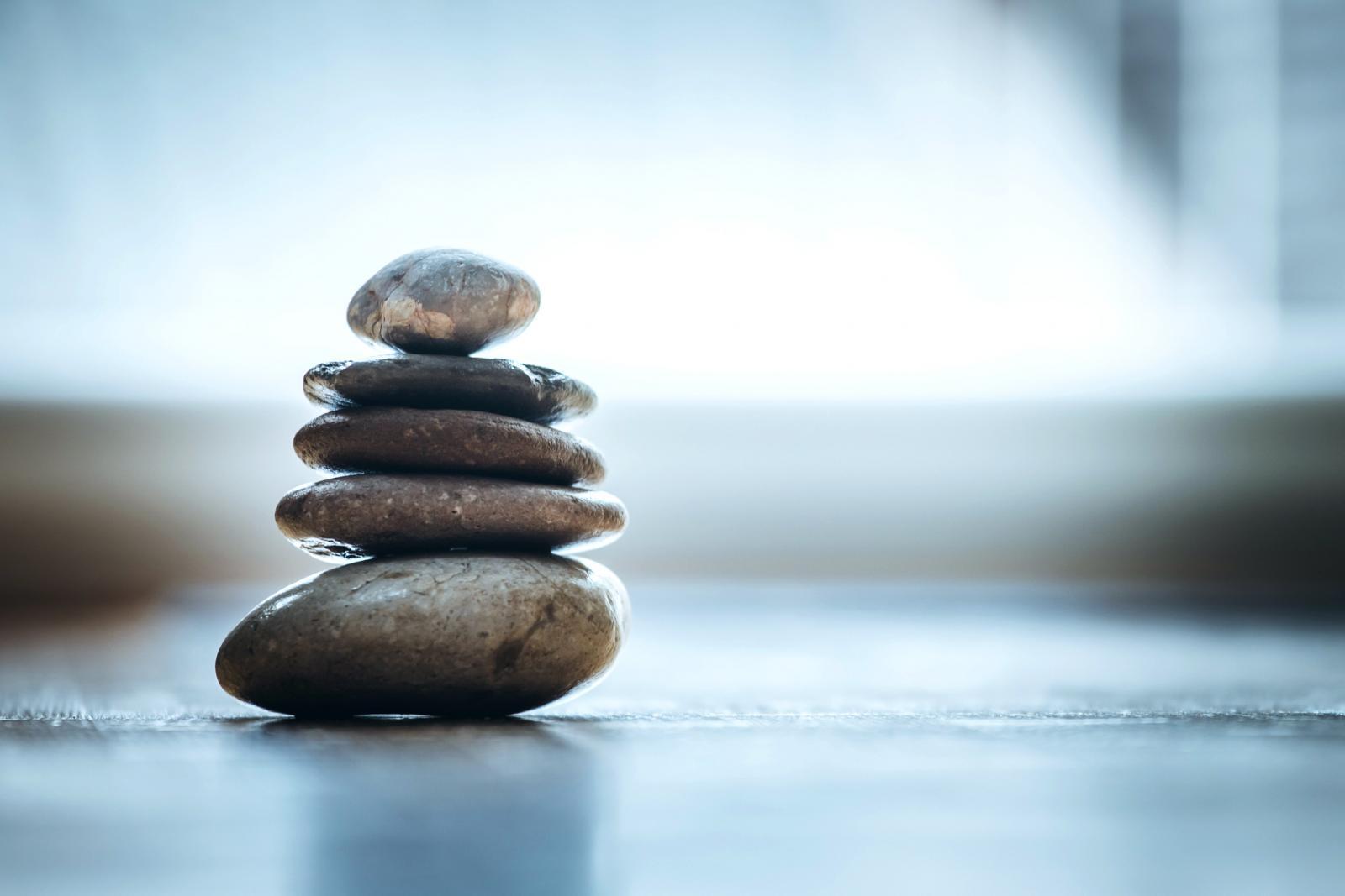 Pedras zen simbolizando energia Feng Shui