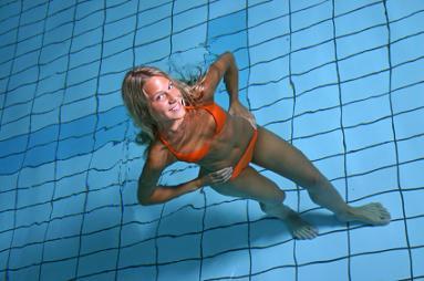 https://cf.ltkcdn.net/exercise/images/slide/123866-383x254-aquatic-exercise7.jpg