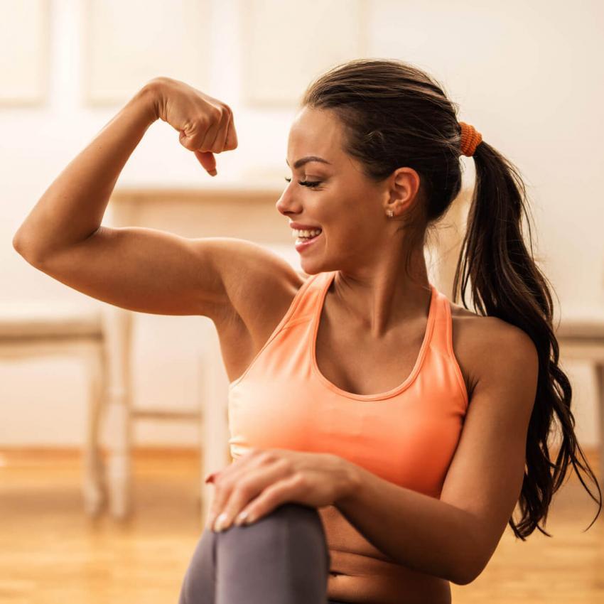 https://cf.ltkcdn.net/exercise/images/slide/246157-850x850-4-female-bicep-pictures.jpg