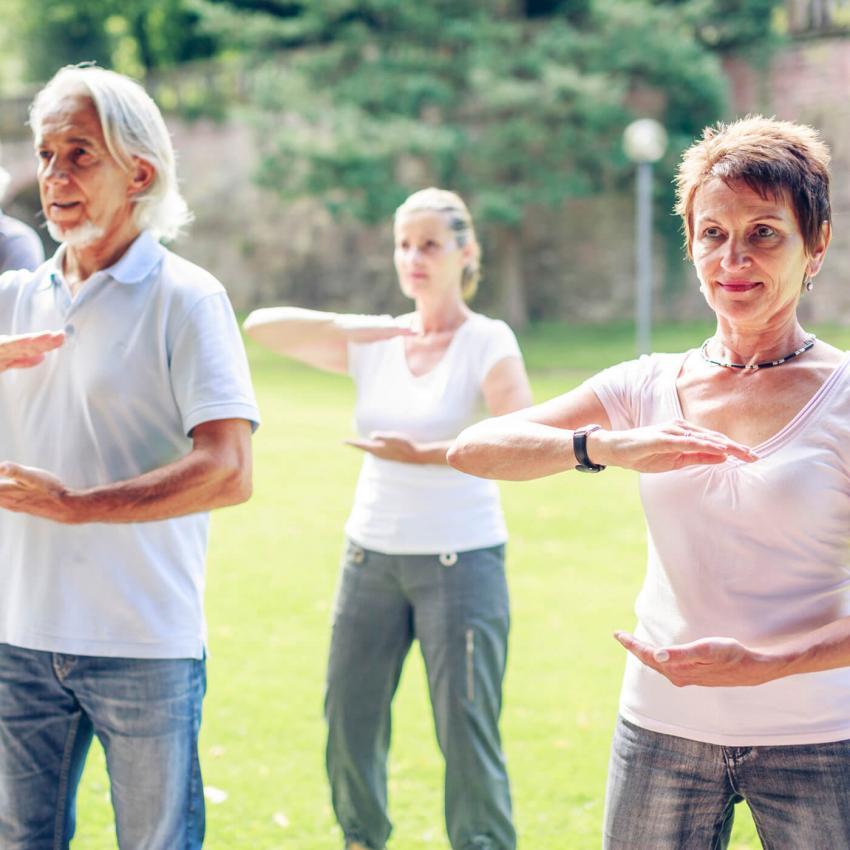 https://cf.ltkcdn.net/exercise/images/slide/249257-850x850-14-exercises-seniors-pictures.jpg