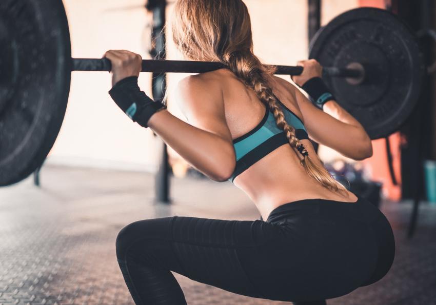 https://cf.ltkcdn.net/exercise/images/slide/251466-850x595-8_squats.jpg