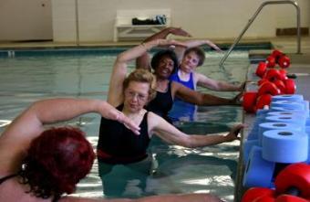 https://cf.ltkcdn.net/exercise/images/slide/123864-387x252-aquatic-exercise4.jpg