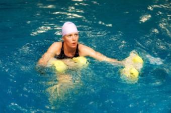 https://cf.ltkcdn.net/exercise/images/slide/123868-383x254-aquatic-exercise8.jpg