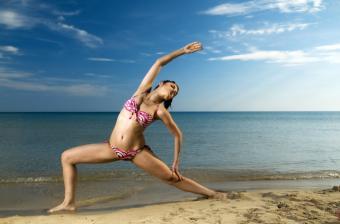 https://cf.ltkcdn.net/exercise/images/slide/123957-850x559-beachworkout.jpg