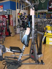 Single station exercise machine