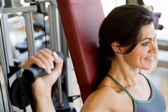 Woman doing shoulder press exercises