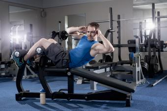 What Benches and Machines Are Best for Abs?