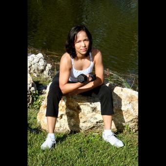 https://cf.ltkcdn.net/exercise/images/slide/246171-850x850-9-female-bicep-pictures.jpg
