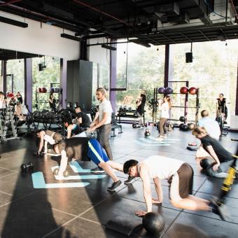 https://cf.ltkcdn.net/exercise/images/slide/248001-850x850-1-pictures-people-exercising.jpg