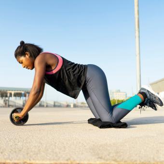 https://cf.ltkcdn.net/exercise/images/slide/248012-850x850-19-pictures-people-exercising.jpg