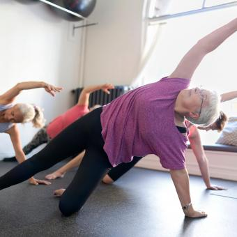 https://cf.ltkcdn.net/exercise/images/slide/249252-850x850-9-exercises-seniors-pictures.jpg