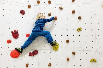https://cf.ltkcdn.net/exercise/images/slide/249287-850x567-climbing.jpg