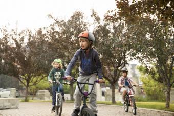https://cf.ltkcdn.net/exercise/images/slide/249299-850x567-bikes.jpg