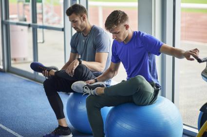 Seated hip flexor stretch
