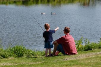 https://cf.ltkcdn.net/family/images/slide/143512-849x565r1-family-fishing.jpg