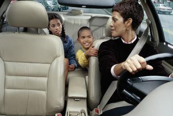 https://cf.ltkcdn.net/family/images/slide/191901-850x567-Mother-Driving-Her-Children-to-School.jpg