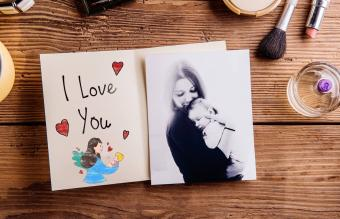 Sweet Mother's Day Clip Art Free to Download