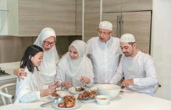 Multi Generation Family eating