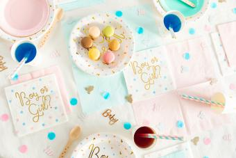 Gender reveal party with pink and blue drinks