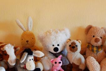 https://cf.ltkcdn.net/family/images/slide/272080-850x566-stuffed-animal-parade.jpg