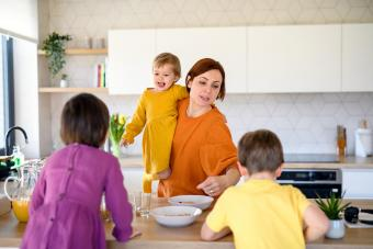 How to Deal With Family Stress in Healthy Ways