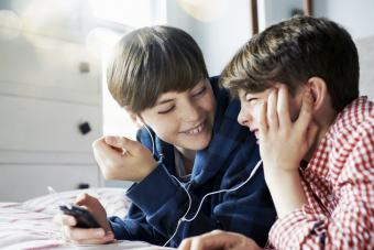 Realistic Strategies for Kids Sharing a Room